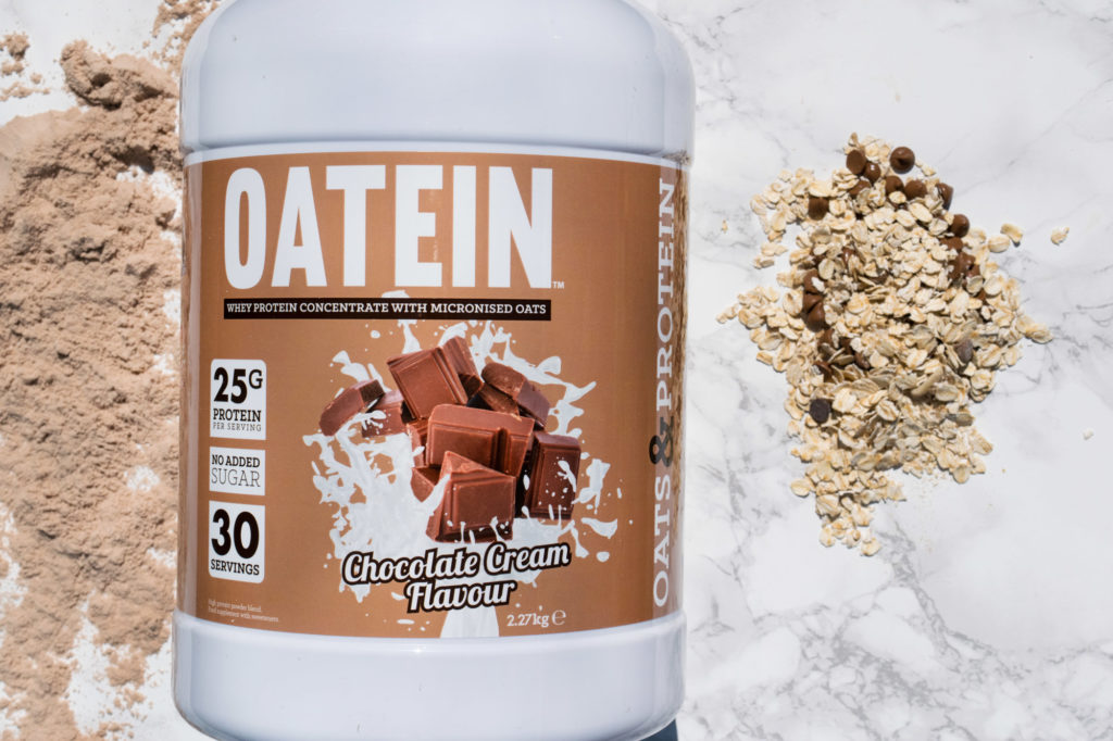 Oatein Oats and Whey Protein, with oats and chocolate